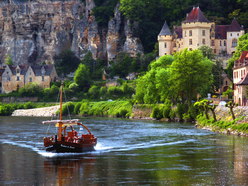 Photo of a Gabare on the Dordogne River, by John Hulsey