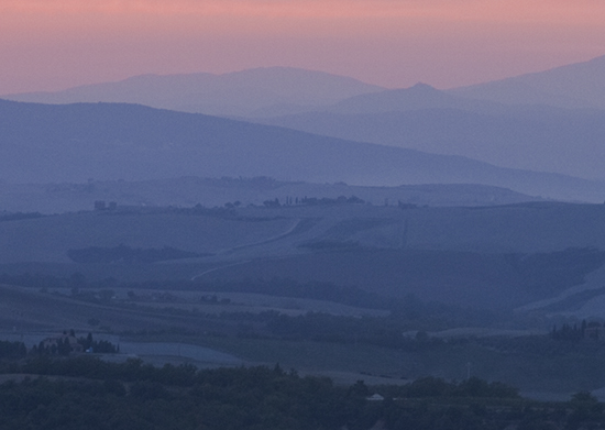 photo of Tuscan Sunset.© J. Hulsey paintiing workshops in Italy