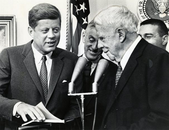 Photograph of Robert Frost with John F. Kennedy