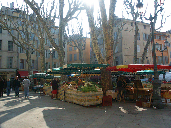 photo of produce market, Aix, France. © J. Hulsey