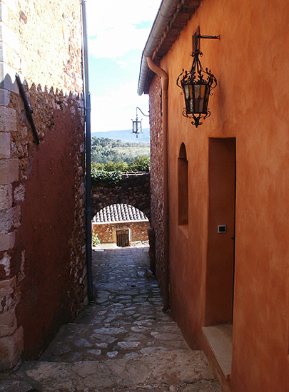 photo of Roussillon, France. © J. Hulsey
